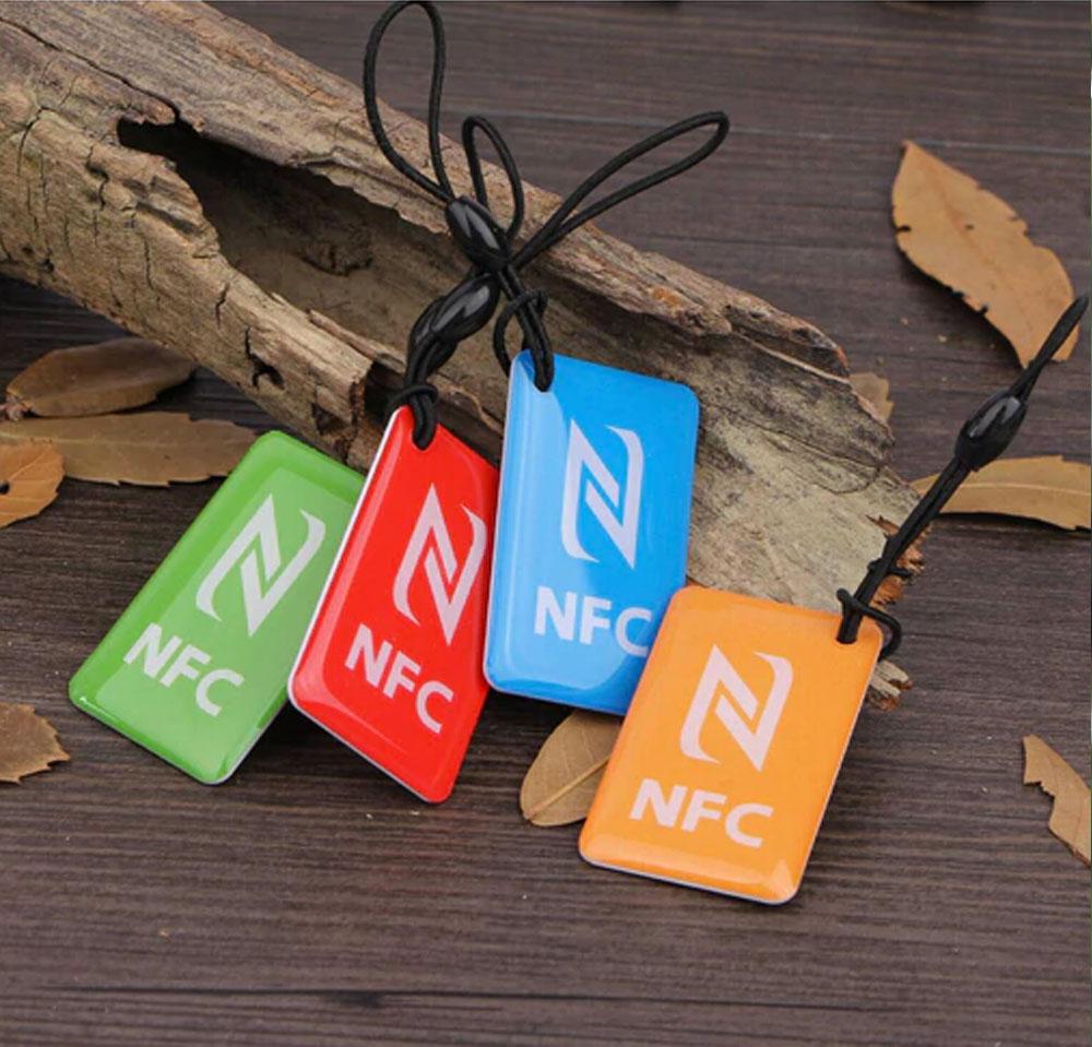 Le Jeune moderne.RFID Sans contact-Porte clef NFC codé-Un simple porte-clef et votre vie change. Rendez votre vie sans contact.Nous codons pour vousla puce NFC se trouvant dans le porte-clef avec la fonction souhaitée (voir ci-dessous). Passez le porte-clef au dos de votre téléphone compatible NFC (voir ci-dessous) et celui-ci effectuera la fonction que vous avez commandée. Livraison offerte par LA POSTE.Cliquez ici pour tout savoir sur ce service